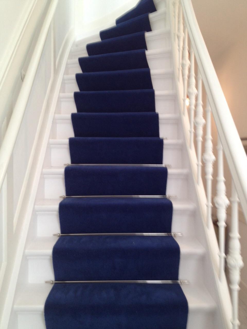 Nieuwe stalen pvc en tapijt in de showroom van den berg for Nieuwe trap laten plaatsen