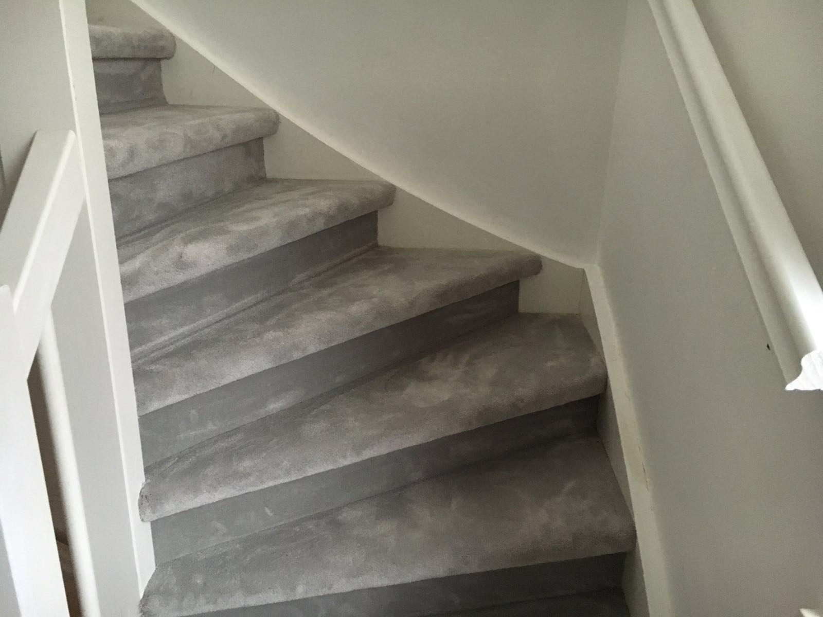 Pvc vloer en trap bekleed in mijdrecht van den berg vloeren - De trap van de bistro ...