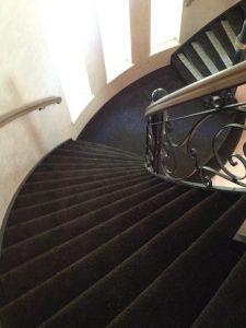 gesloten trap tapijt