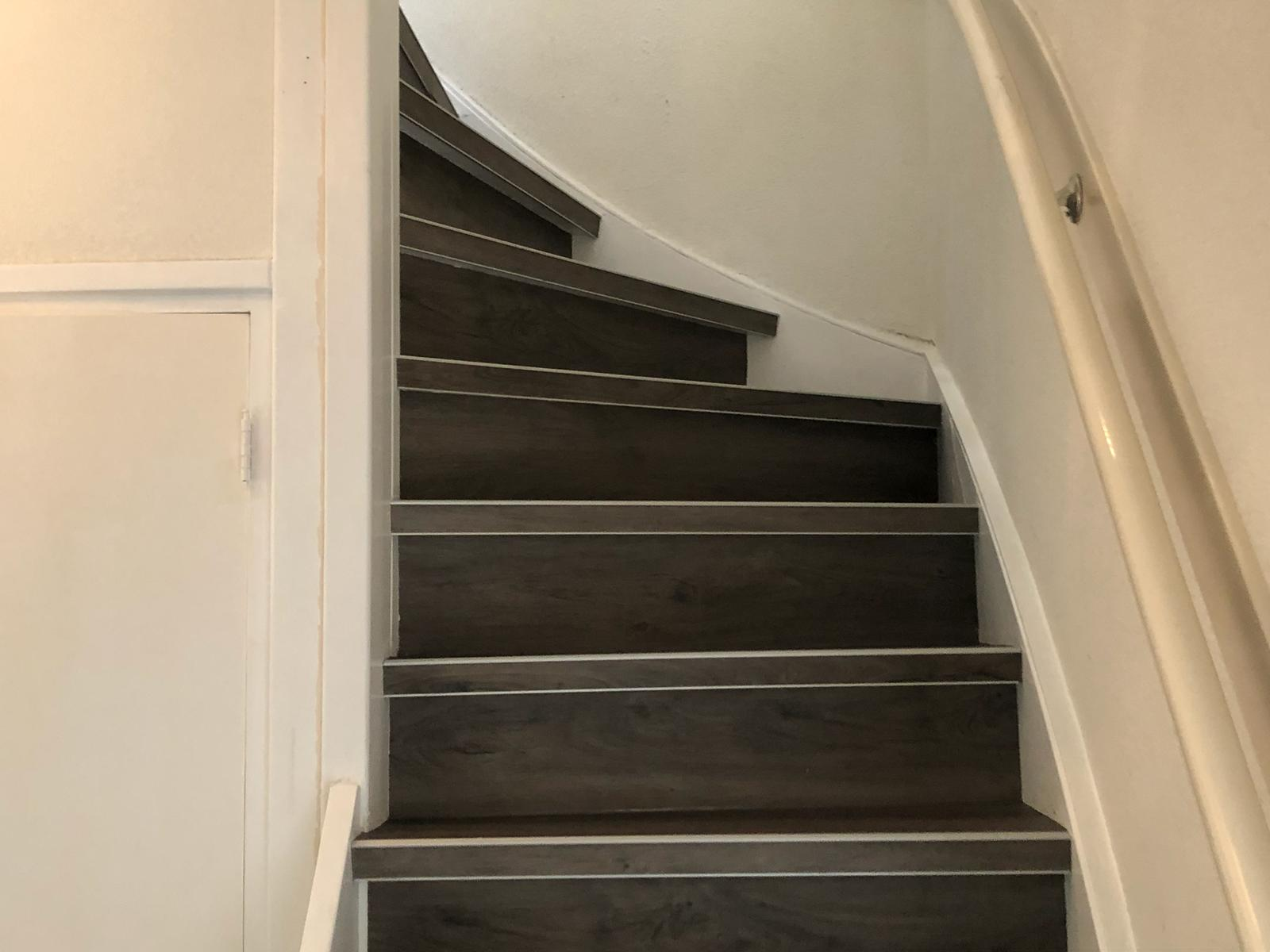 Trap Tapijt Leggen : Trapconfigurator bereken de prijs voor het bekleden van uw trap