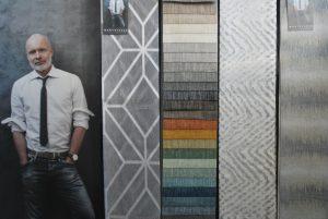 Transparanten in grijstinten en gordijnen en diverse kleuren